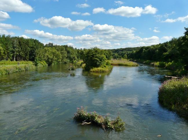 mittlere Ruhr bei Neheim-Hüsten, renaturierter Flussabschnitt