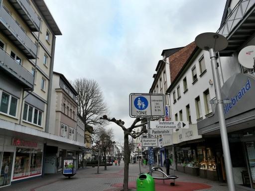 Menden, obere Hauptstr. / Ecke Pastoratstr.