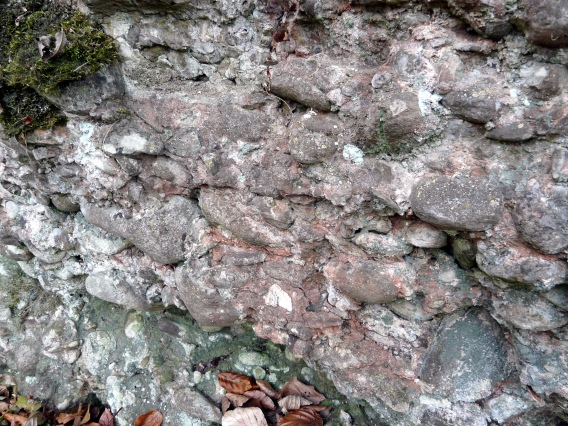 Felswand des Mendener Konglomerats