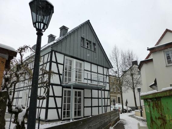 Menden, Wasserstraße; renoviertes Fachwerkhaus