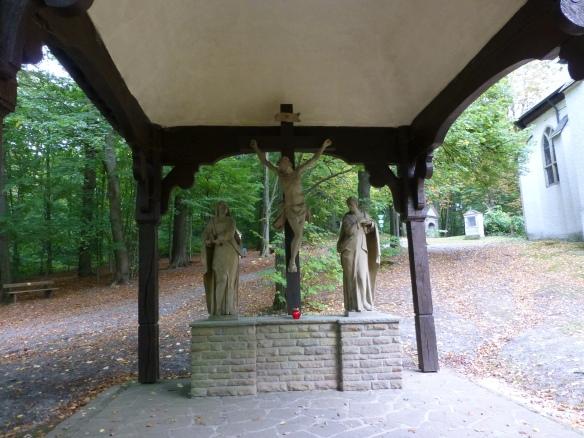 Menden, Kapellenberg mit Kreuzigungsgruppe