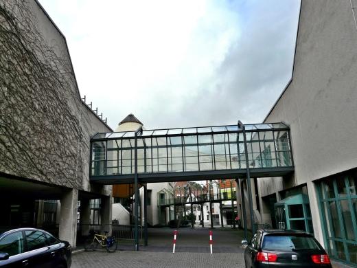 Menden, Rathaus-Innenhof von Süden