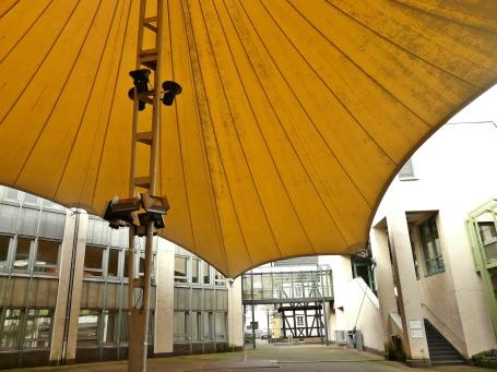 Menden, Rathaus-Innenhof mit Zeltdach