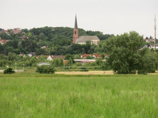 Fröndenberg vom Ruhrufer bei Menden-Bösperde