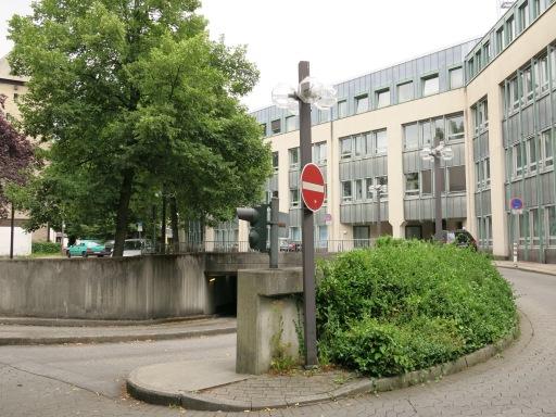 Menden, Neues Rathaus, Einfahrt Tiefgarage