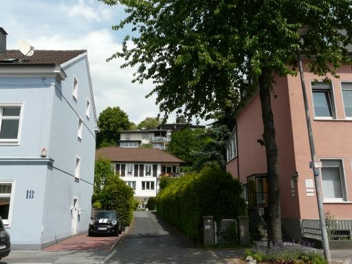 Menden, Gartenstr., Blick auf westlichen Hang des Pellenbergs