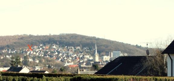Menden, von Nordwesten über die Innenstadt auf den Kapellenberg/Rothenberg