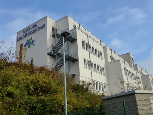 Menden, Ärztehaus am Krankenhaus, vom Ostwall