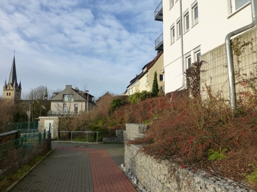 Menden, Fußweg unterhalb des Ärztehauses am Ostwall