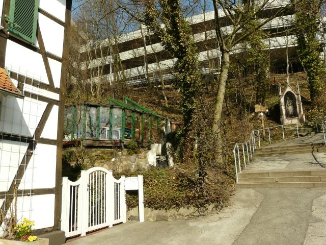 Menden, obere Kapellenstr., Aufgang zum Kapellenberg