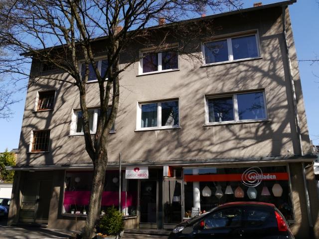 mitte-obere Papenhausenstr., Ostseite, Haus mit Weltladen