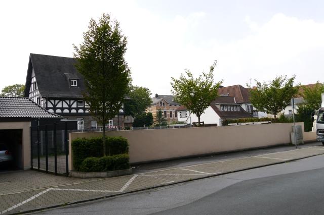 mittlere Gartenstr., mit Parkplatz Ex-Ulmke-Villa