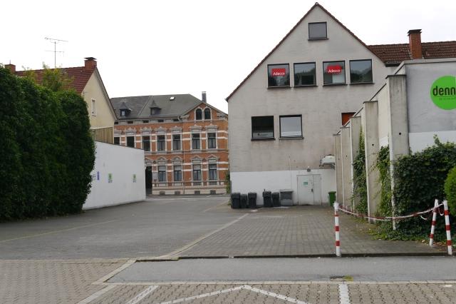 von Gartenstr. über Denn's Parkplatz auf Unnaer Str.