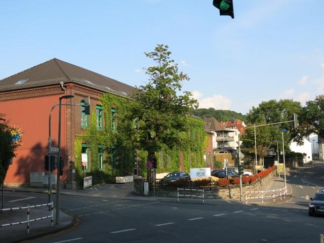 Kreuzung Schwitter Weg / Ostwall / Werringser Str., mit Josefschule