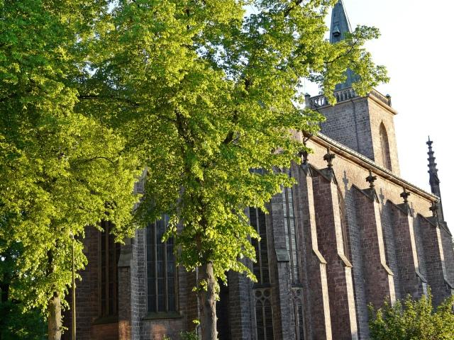 Heilig-Geist-Kirche vom unteren Westwall