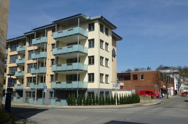 mittlere Papenhausenstr., Ecke Poststr., mit GeWoGe-Neubau