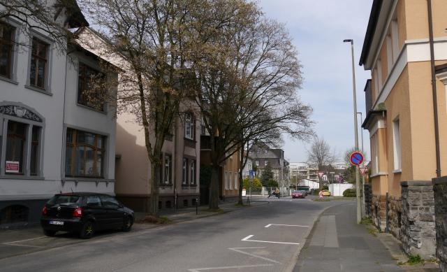 Foto 1: mitte-untere Papenhausenstr. zwischen Hördinger Kamp (hier nicht zu sehen) und Kaiserstr.; April 2015