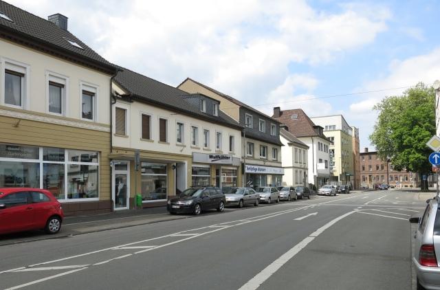 untere Unnaer Str., westl. Seite, vor Einmündung Am Alten Amt; Mai 2015