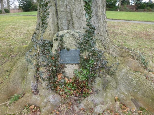 Gedenkstein im Park Wilhelmshöhe