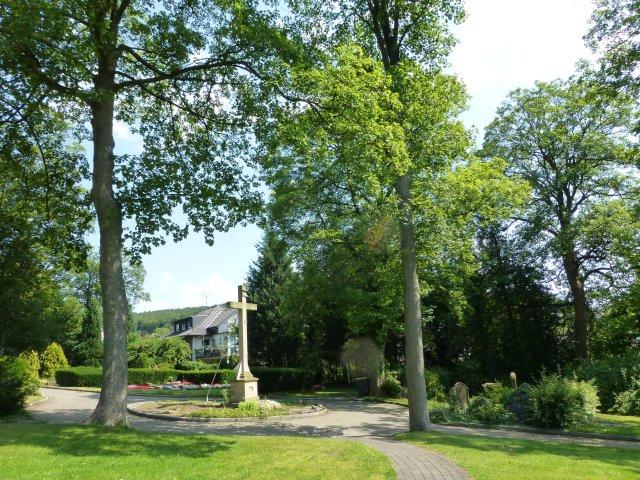 unterer Kath. Friedhof, Kreuzrondell
