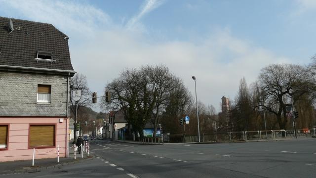 Battenfeld-Kreuzung von Walramstr.