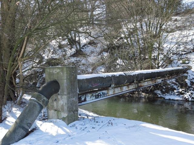 Wehrland mit Rohrbrücke unter der Wunne