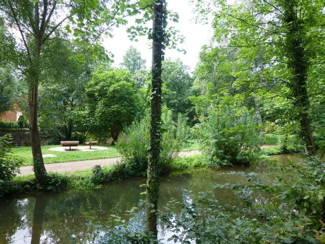 unterer Mühlengraben von oberer Bodelschwinghstr. mit Hönneinselpark