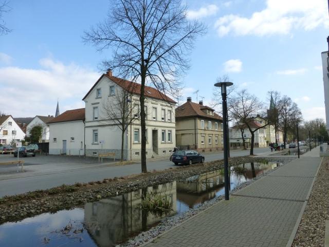 mittlere Bodelschwinghstr., gegenüber neuem Parkplatz, Ecke Poststr.