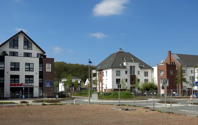 vom Parkplatz Sparkasse über Kreisel Bodelschwinghstr. auf MZH und vordere Hönneinsel